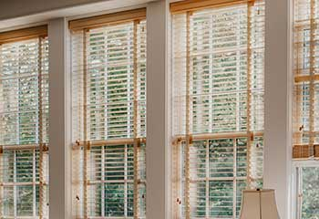 Motorized Faux Wood Blinds - Universal City